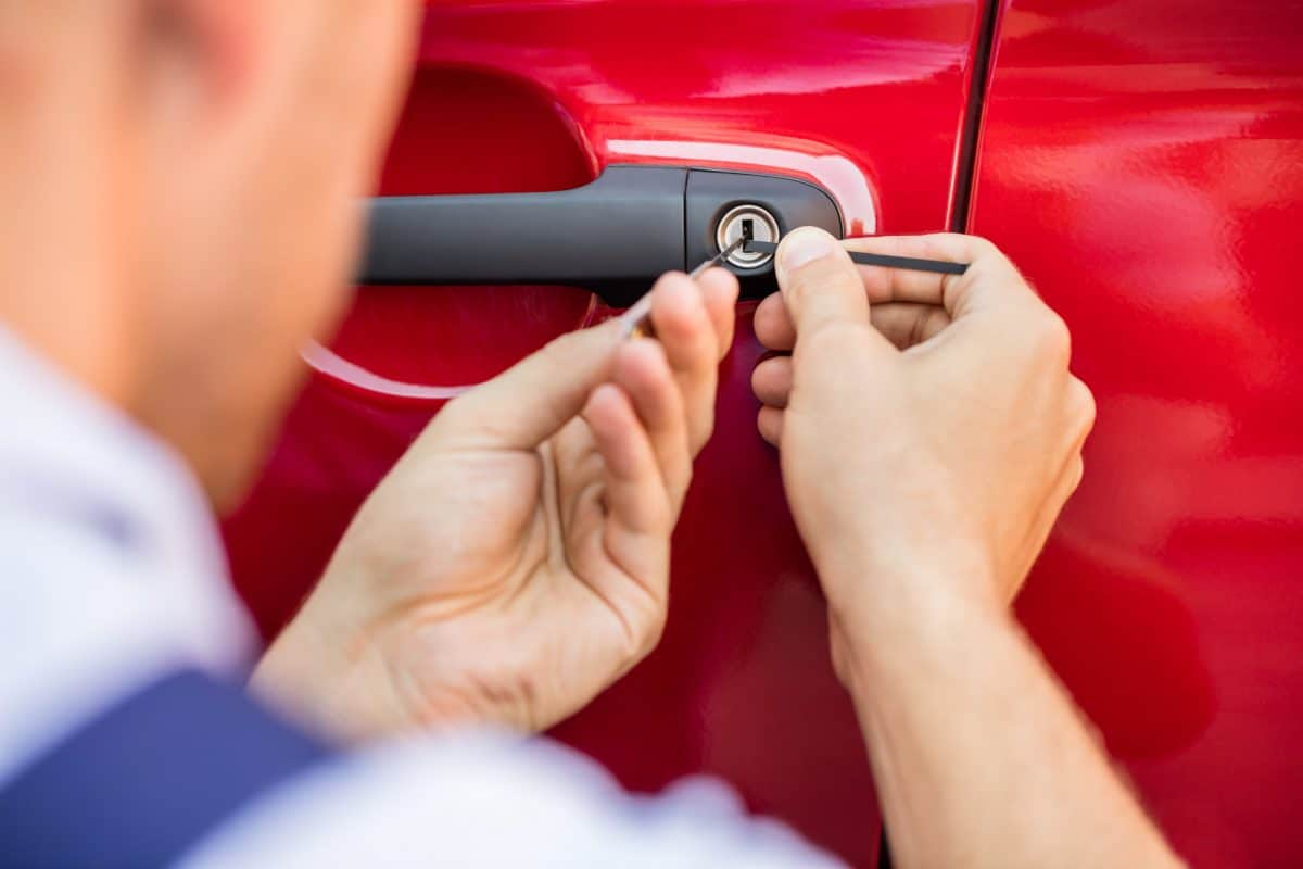 Finding an Emergency Locksmith When Traveling and Locked Out of Your Car